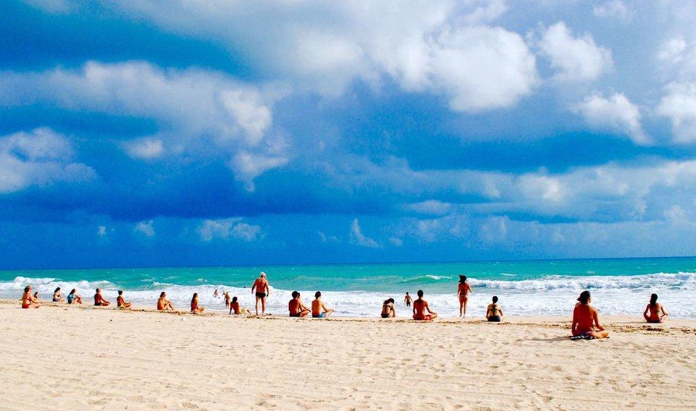 Cópia de Meditação na Praia - Festival Osheanic.JPG