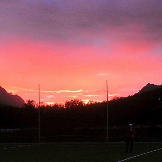 @robertengeness Wow😍 #storelvtun #storelva #tromsø #sunset #skypainting