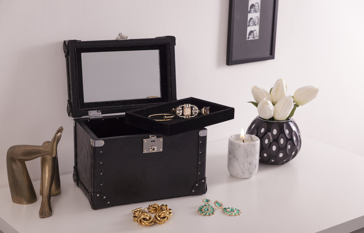Trunks-18102016-1507(1).jpg jewelry box TRUNKED: The New Luxury Jewelry Box Sensation Trunks 18102016 1507 281 29