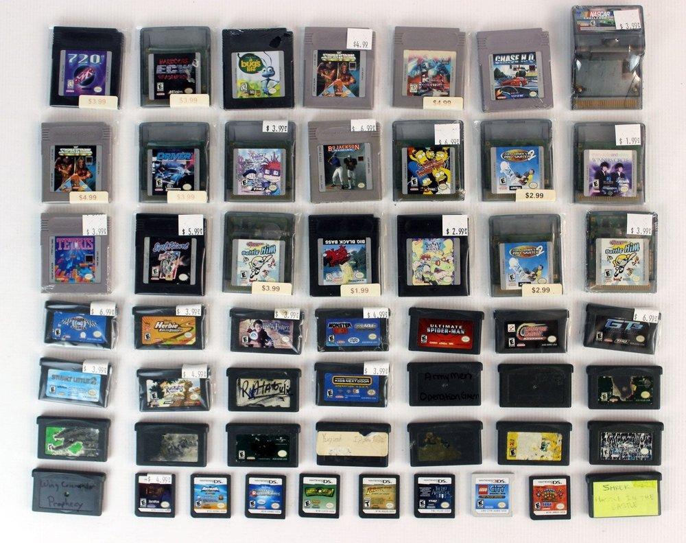 Lot-of-52-Nintendo-Handheld-Games-21x-GB.jpg