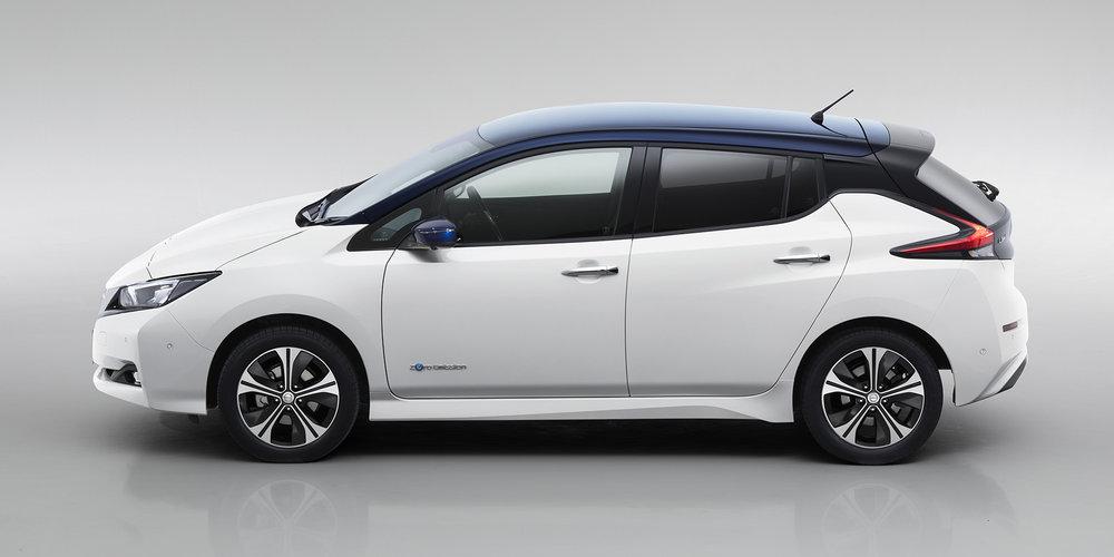 2018-Nissan-LEAF_10.jpg