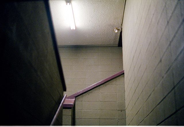 Forever obsessed with fluorescent lighting. ⠀⠀⠀⠀⠀⠀⠀⠀⠀ ⠀⠀⠀⠀⠀⠀⠀⠀⠀ #kodak #5219 #filmisnotdead #lekkerzine #lensculture #moodygrams #dreamermagazine #myfeatureshot #somewheremagazine #visualsoflife #subjectivelyobjective #filmphotographic #noicemag #dazedandexposed #minimalzine #35mm #lighting #ig_onstandby #flourescent #flourescentlights