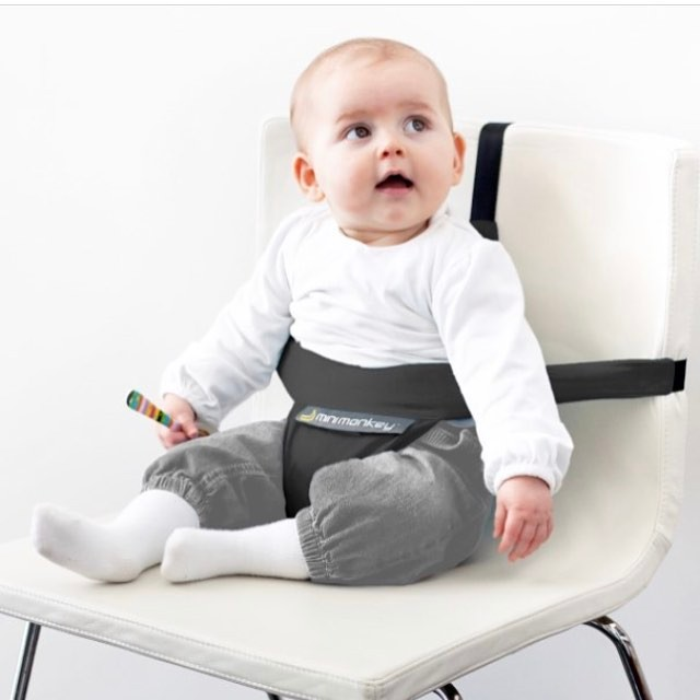 Getting ready for the festive season? 🎄🎅🏼Our portable mini chair is perfect for all the out and about activities that come around at this time of year!! Check it out on our website 👼🏽🌻 #festiveseason #portableminichair #minimonkeychair #minimonkeyaustralia