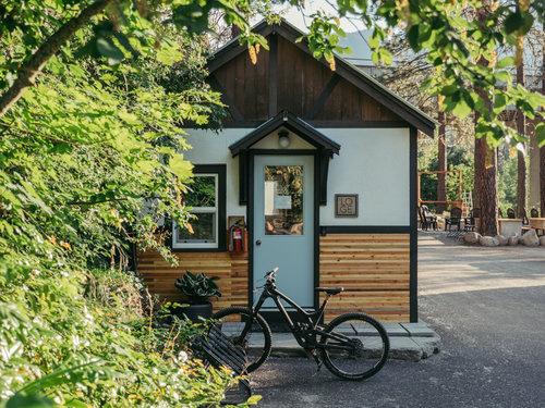 loge leavenworth cabin 2.jpg