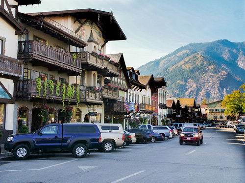 loge leavenworth town.jpg