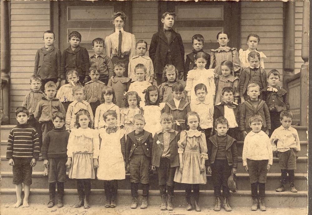 Hall Place School c 1910.JPG