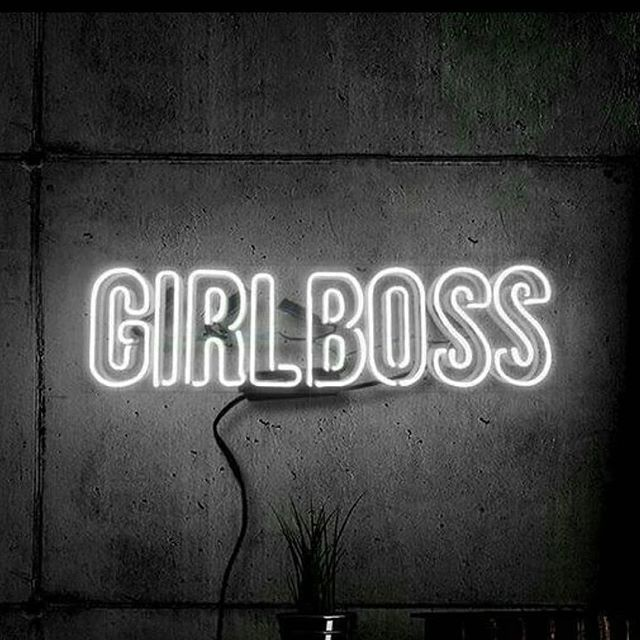 Shout out to our favorite ladies! Tag the girl boss that inspires you and remind her to keep going! . @brandlyss @liveyouryes @ombrewers @upyogamn @the_gemlife @unitedgoodsusa @urbanundercover @minnyandpaul @anywhereapparel . . . #Girlboss #workhard #keepgoing #Strong #strongwomen #whoruntheworld