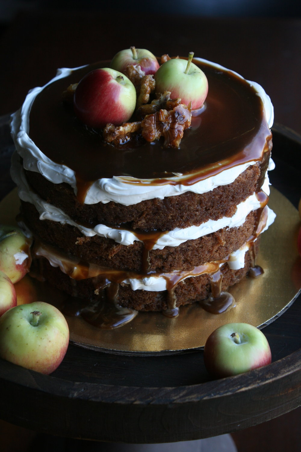 apple_walnut_cake_full