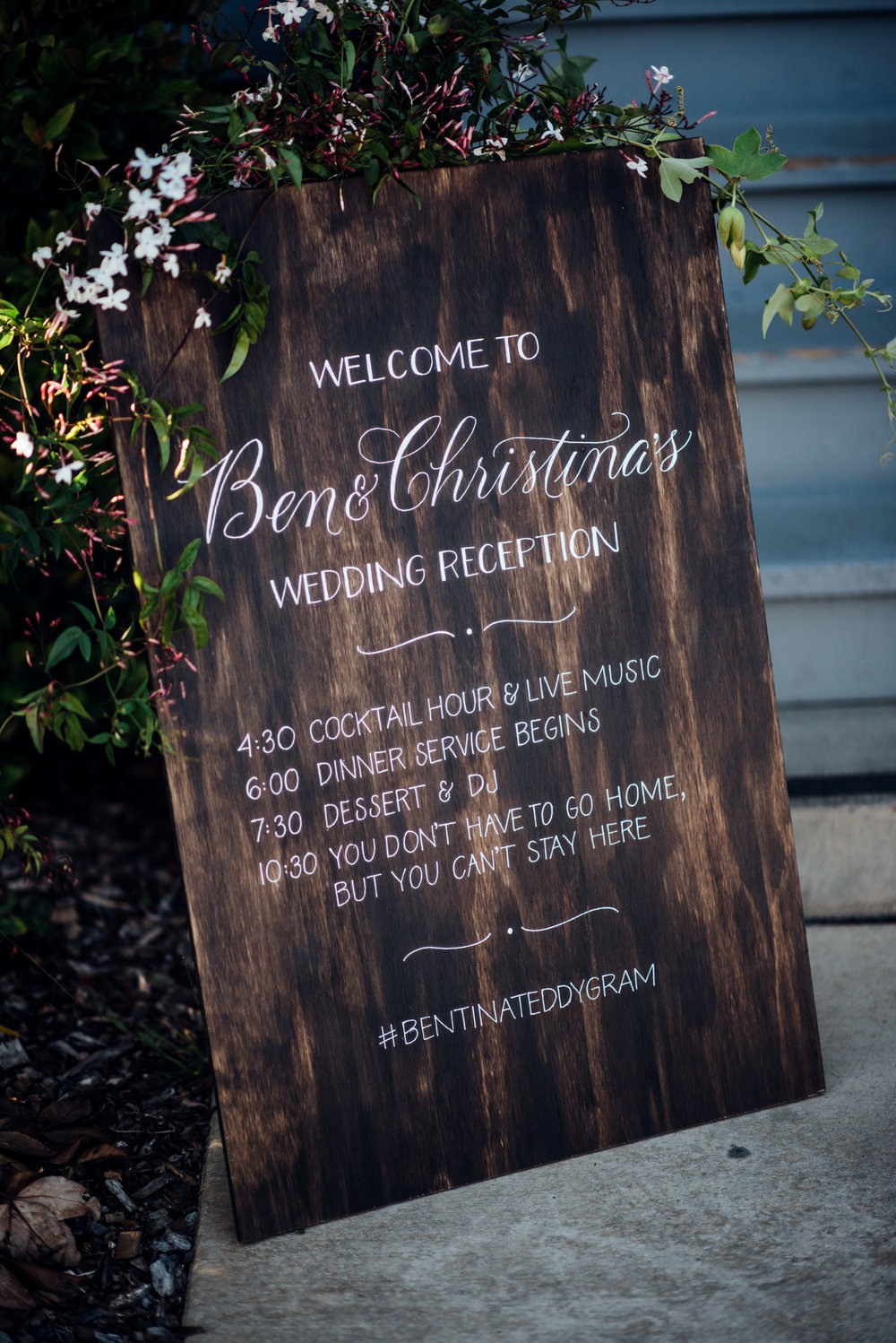 ben+tina_welcome sign+ photo by Duy Ho Photography