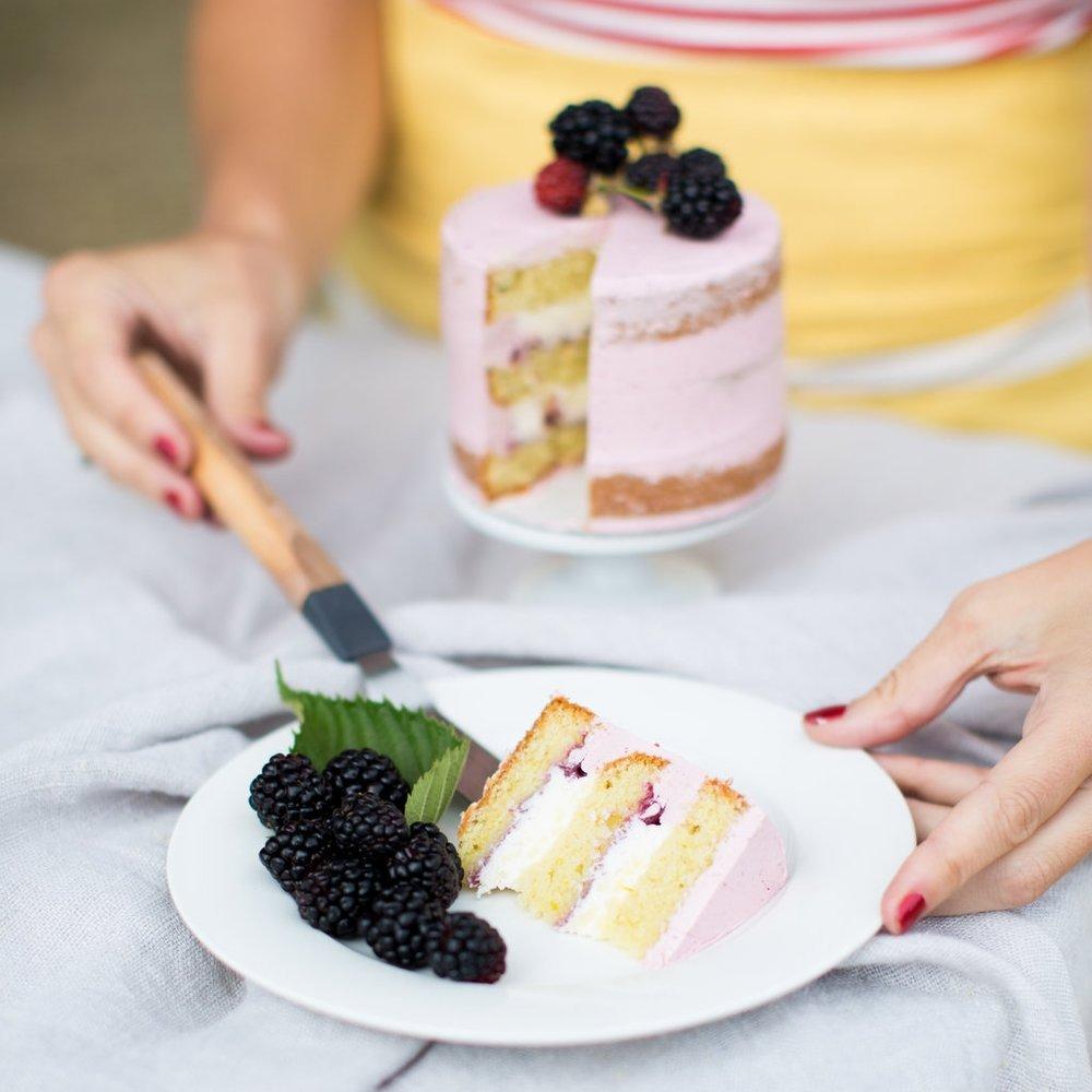 Cake Bloom custom tasting slice