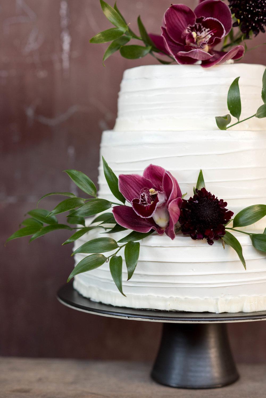 12%22 black matte cake.jpg
