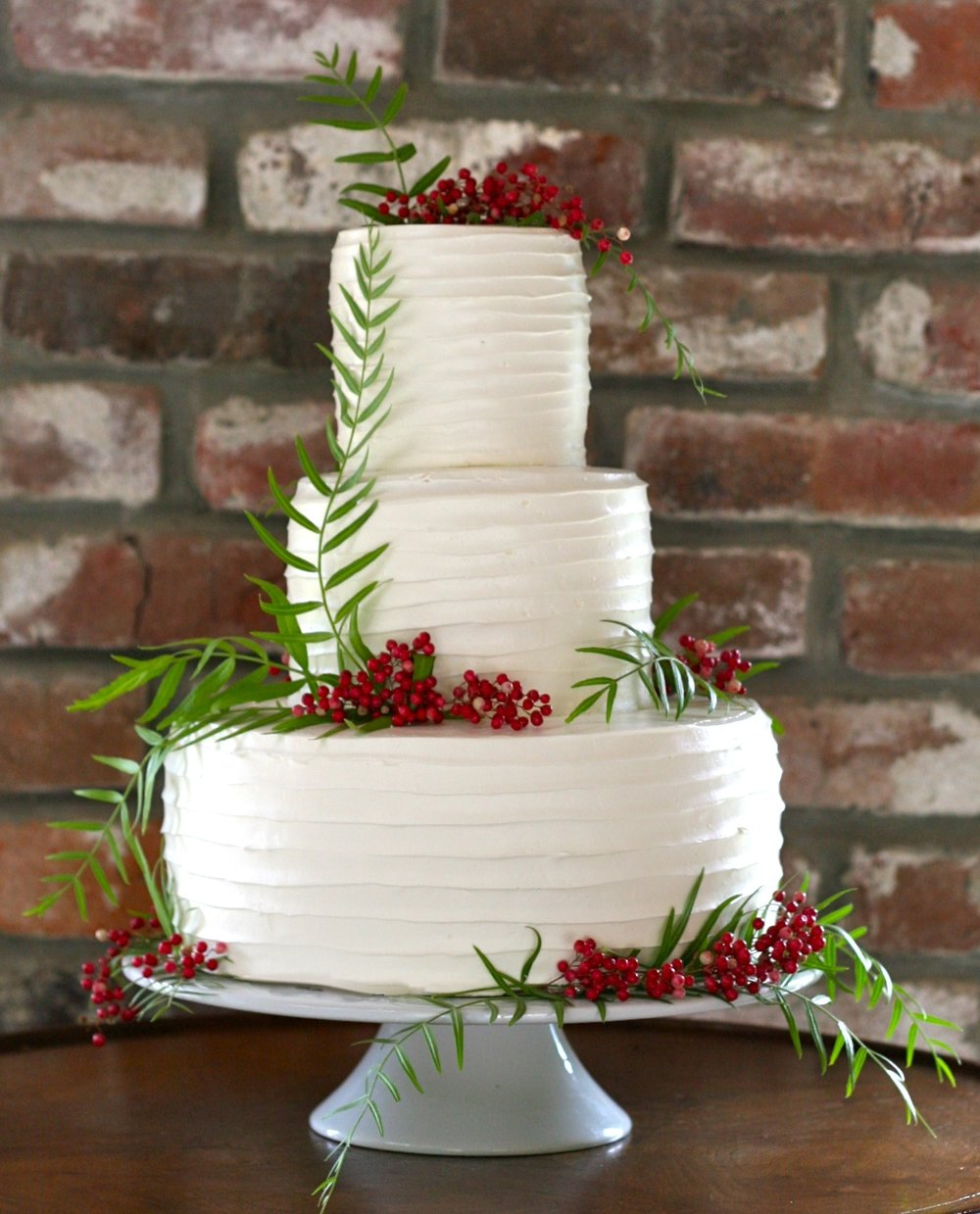 7 Fresh Greenery Ideas To Style Your Cake | Pink Peppercorn cake by Cake Bloom