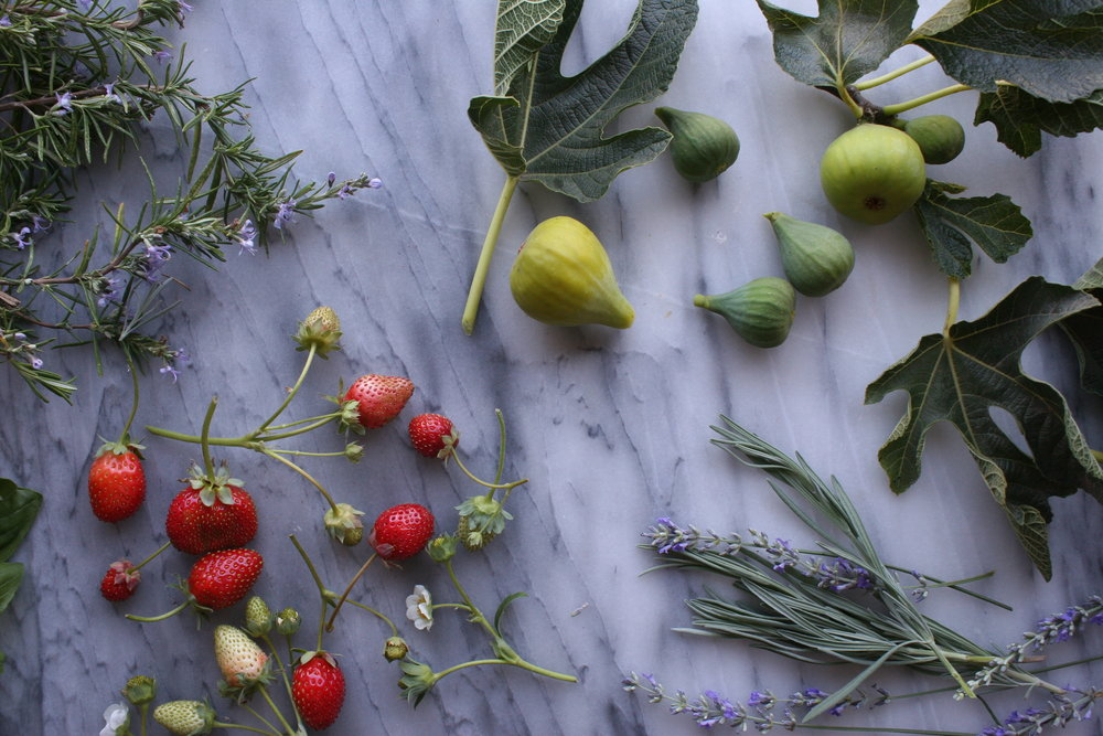 Fresh Greenery Ideas for Cake Styling