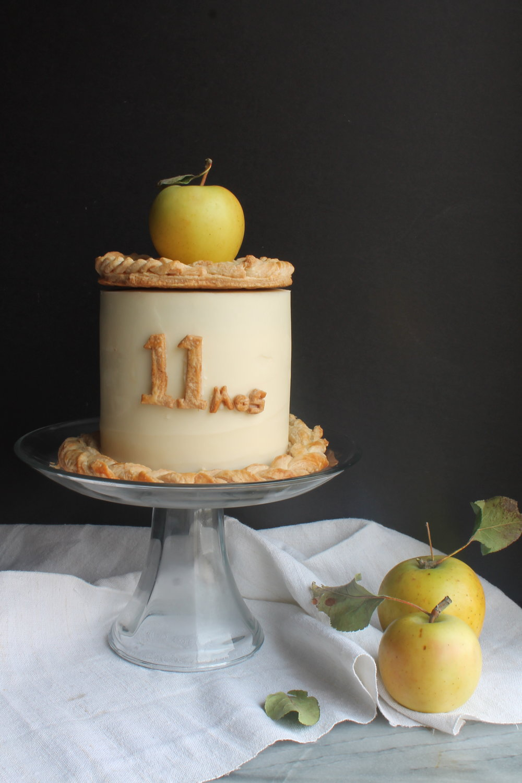 Apple Pie Cake recipe for Thanksgiving via Cake Bloom