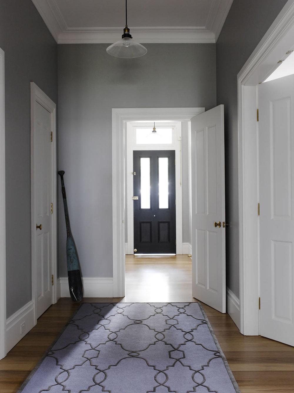 Hallway_010.jpg