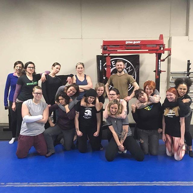 Obligatory group shot from yesterday's exclusive @torque_wenches only self-defense class! These badass ladies were so much fun and now they're ready to kickass! If you'd like to schedule an hour for just you and your friends it only takes 5 or more people to make a group. #selfdefense #selfdefenseclass #bjj #jiujitsu #badasswomen #wildfeminist #pdxfitness #comerollwithus #justkeepshrimping