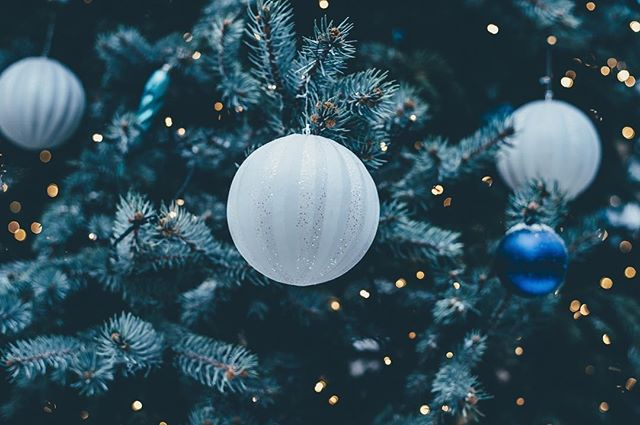 From all of us here at the @restorationmedicine team - we wish you and your families a very Merry Christmas and a Happy New Year! We look forward to seeing you all in 2018!
