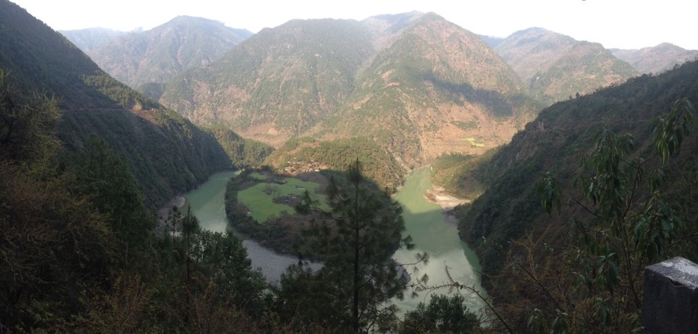 The First Bend of the Nujiang River in Yunnan Province, China. (Photo credit: Hannah.)