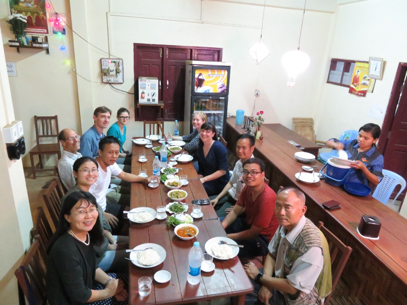 Mon-style dinner with the field trip group at Pao Mon Restaurant, Mawlamyine (Credit: J. Götz)