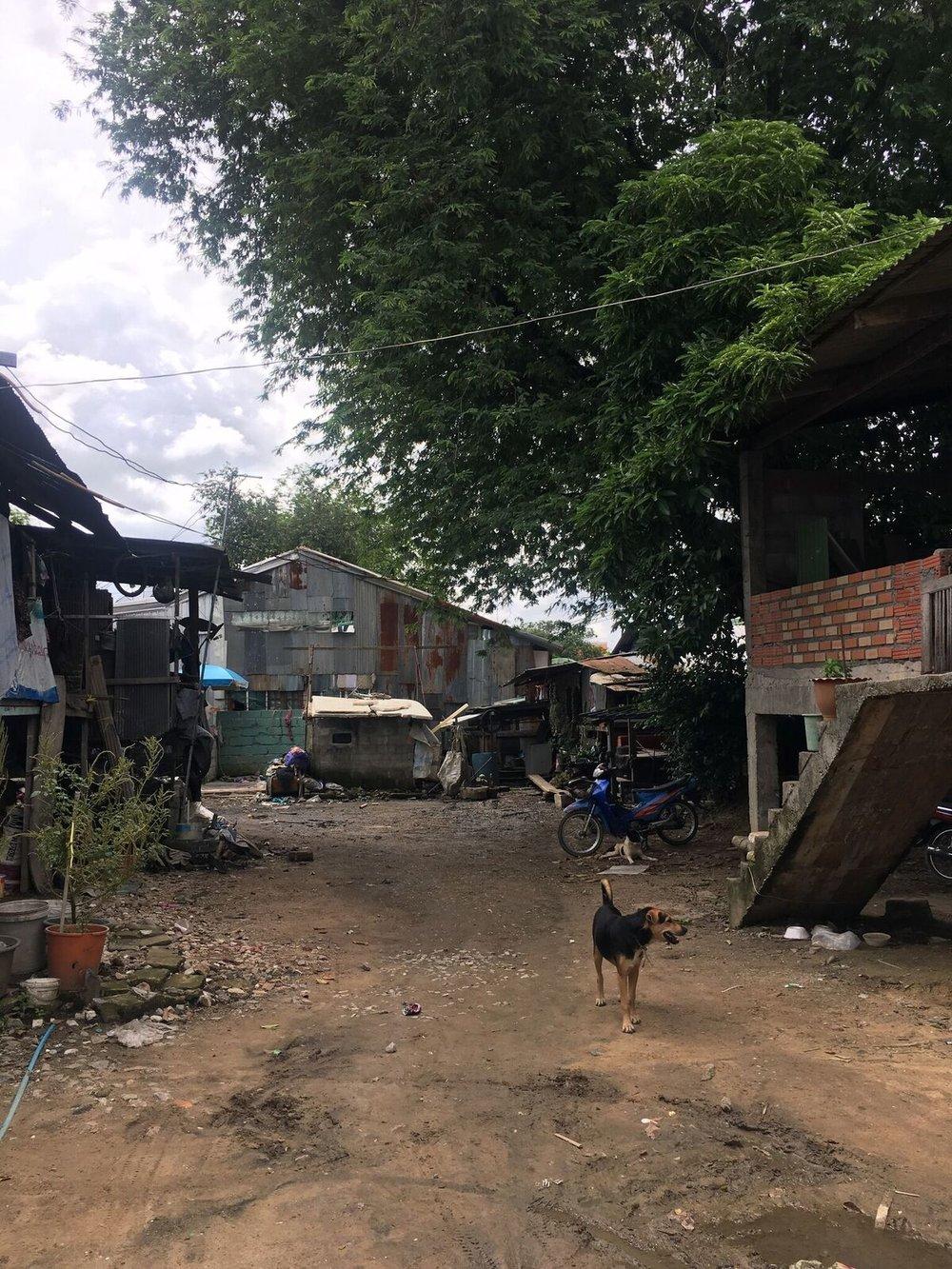 Chan Viroj railway community still experiences severe flooding (Photo by Carl Middleton)