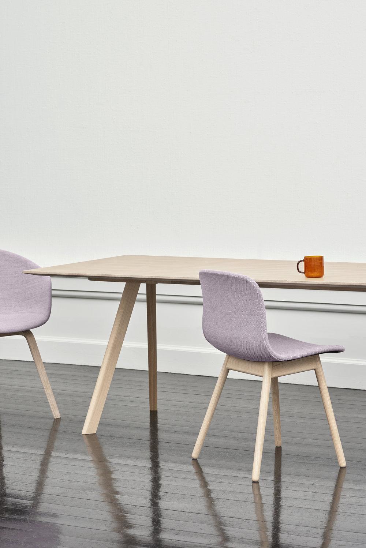 CPH30 Table oak matt lacquered_AAC13 Base matt lacquered oak Uph Steelcut Trio 806.jpg