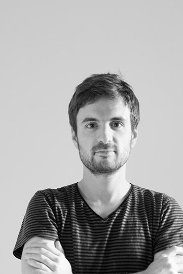 Pierre CHARRIE est diplômé de l'ENSCI-Les Ateliers et des Beaux-Arts de Nîmes, il vit et travaille à Paris en tant que designer indépendant. Avec un penchant naturel pour l'innovation et l'économie de moyens, ses projets cherchent à mettre en relation un usage potentiel et des solutions techniques inattendues. Travaillant sur la dimension interactive et sonore des objets, il a été distingué par plusieurs prix.