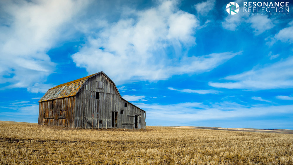 Abandoned Barn in Rural Alberta