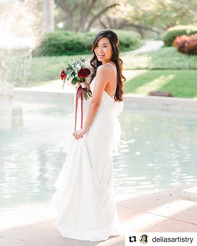 #Repost @deliasartistry ・・・ Getting to doll up brides is seriously my absolute fave! MUAH: @heylovelymakeup Photographer: @lindsaydavenportphotos Planning: @theaddedtouchevents Florist: @lizziebeesflowershoppe #heylovelymakeup #bridalhairandmakeup #weddingwednesday #bridalmakeup #houstonbride #bridalbeauty #bride #classicbeauty #bridal #makeup #airbrushmakeup #bride #hairandmakeup #bridalhair #naturalmakeup #bridalhairstyle #weddingmakeup #weddinghair #brides #hairstyle #houstonmakeup #houstonmua #houstonmakeupartist #muahouston #htxmua #houstonbride #houstonweddings #houstonhairstylist #houstonbride #weddingsinhouston