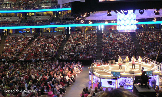Women-of-Faith-arena