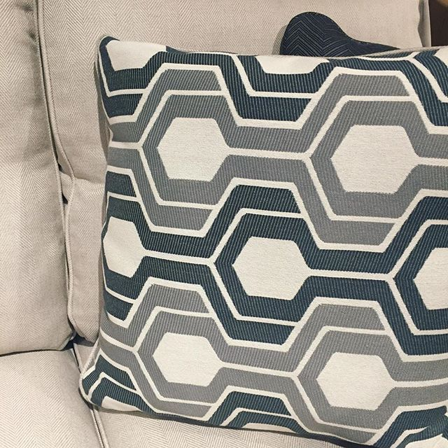 Hello gorgeous. . . . . . . . #hellogorgeous #patternobsessed #mnsmallbusiness #grayisthenewblack #pillows #monochromatic #geometric #patternlove #lifestyleblogger #mnshopping #grayhomedecor