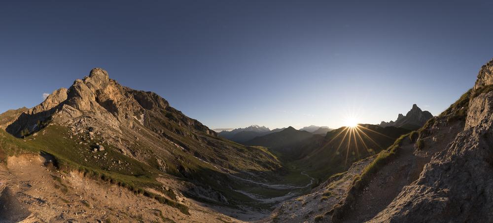Sunset-panorama near Passo Giau