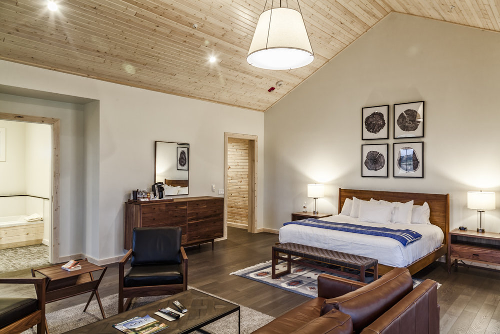 Wisconsin King Suite Bedroom
