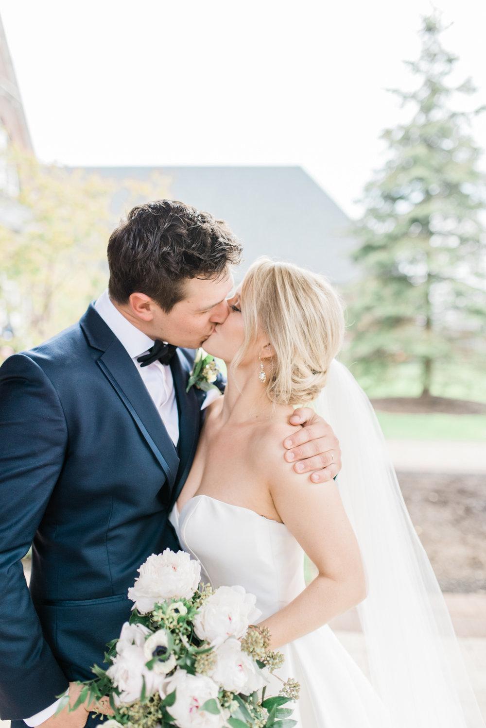 Hamilton Wedding Photographer, Burlington Golf and Country Club Wedding