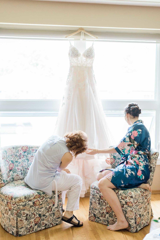Edgewater Manor Wedding - Hamilton Wedding Photography - Justine & Mark-9.jpg