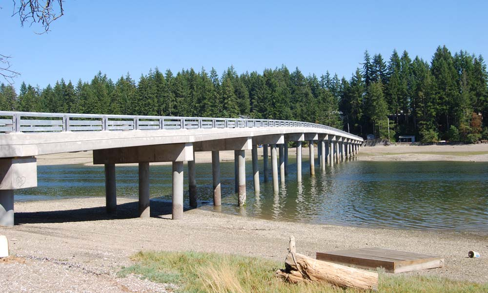 TREASURE ISLAND BRIDGE GRAPEVIEW , Washington  Owner/Client : Treasure Island Country Club  Services : Civil and Structural Engineering, Environmental Permitting, Construction Management