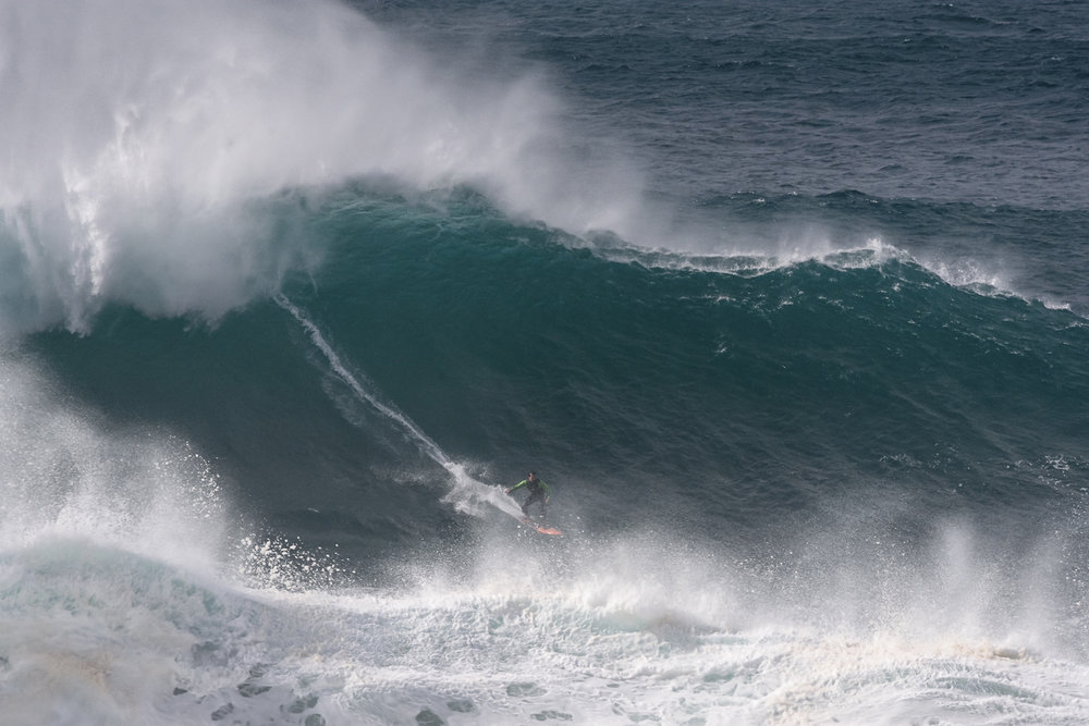 Carlos Burle at Nazaré by Correia C