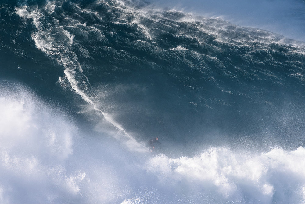 Hugo Vau at Nazaré by Correia 3