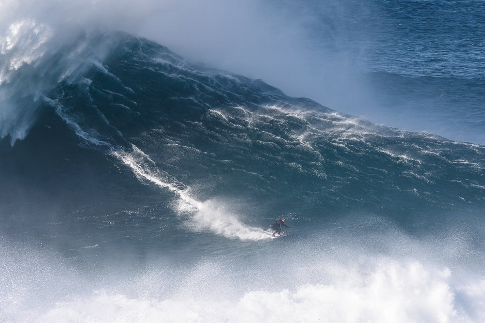 Hugo Vau at Nazaré by Correia 4