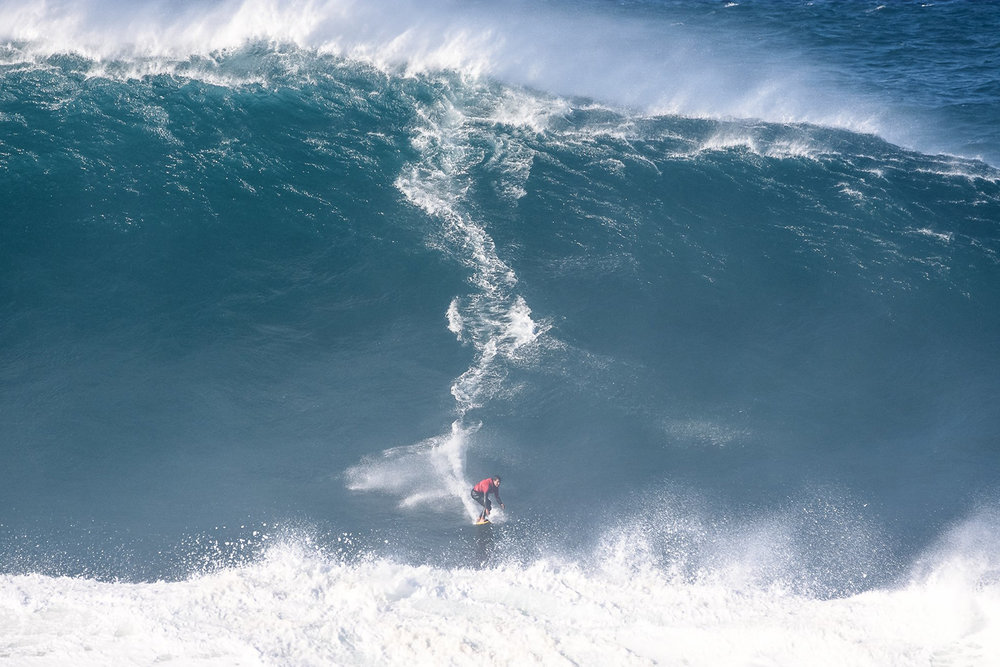 Rafael Tapia at Nazaré by Correia