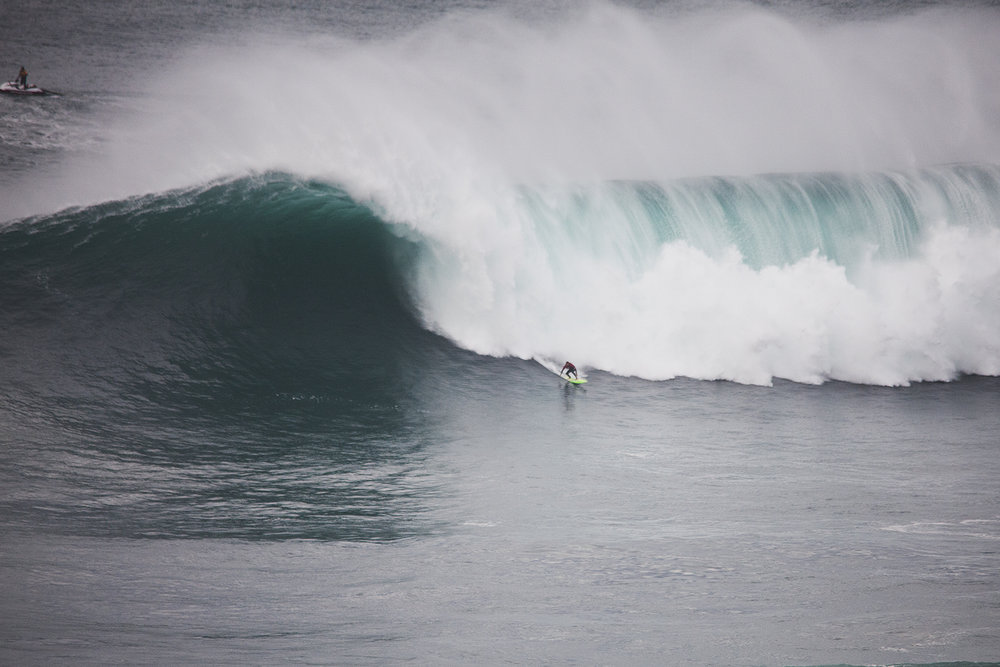 Jamie Mitchell at Nazaré B2 by Wake