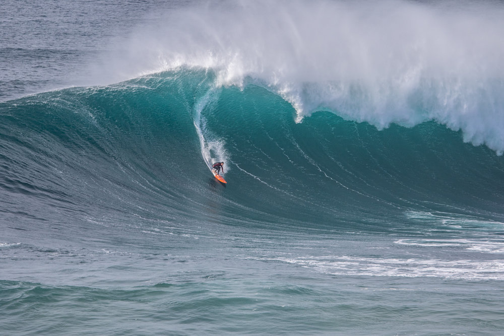 Tom Butler at Nazaré 2 by Soares