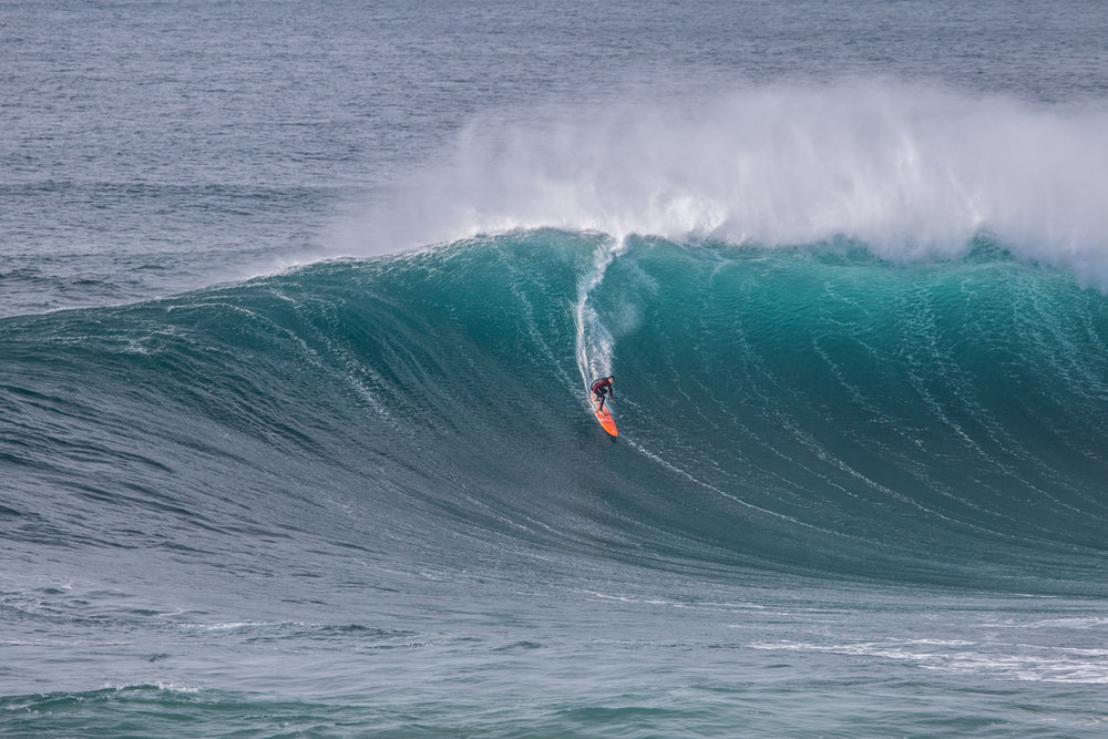 Tom Butler at Nazaré 1 by Soares