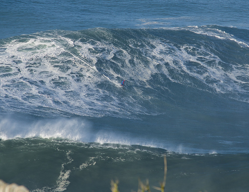 Eric Rebiere at Nazaré  by Figueira