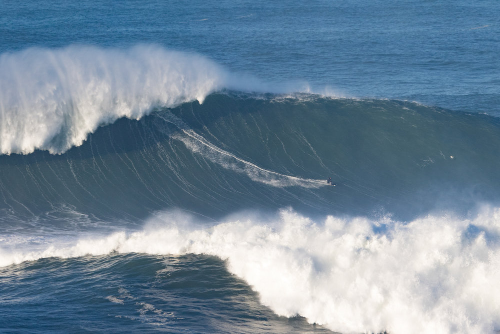 Sebastian Steudtner at Nazaré 3 by Soares