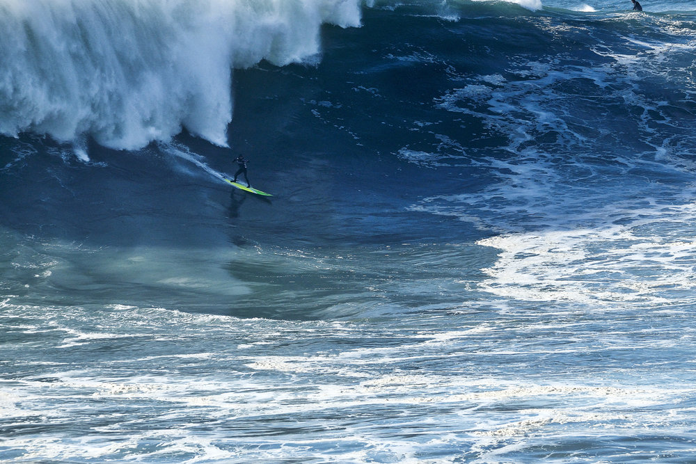 Jamie Mitchell at Nazaré 3 by Carminati