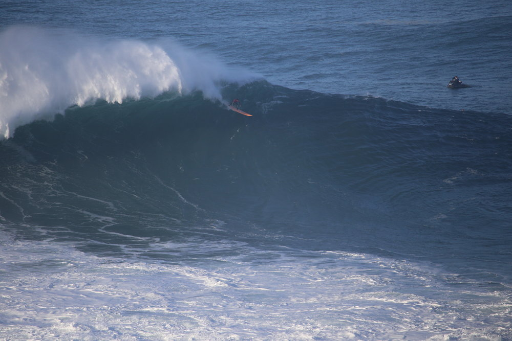 Nic Lamb at Nazaré by Botelho
