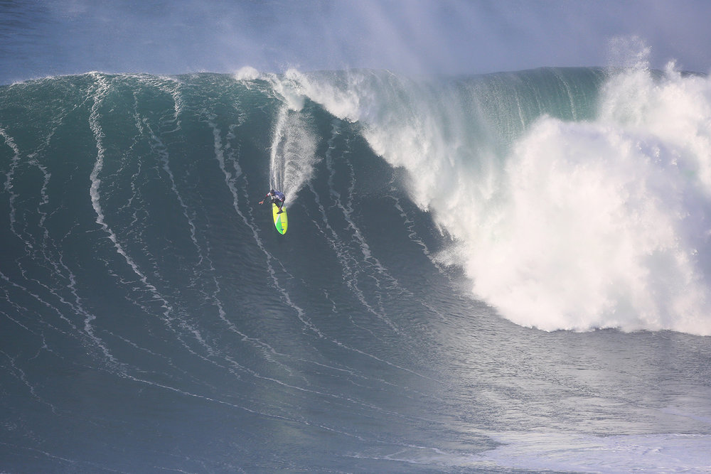 Jamie Mitchell at Nazaré 2 by Chaby.