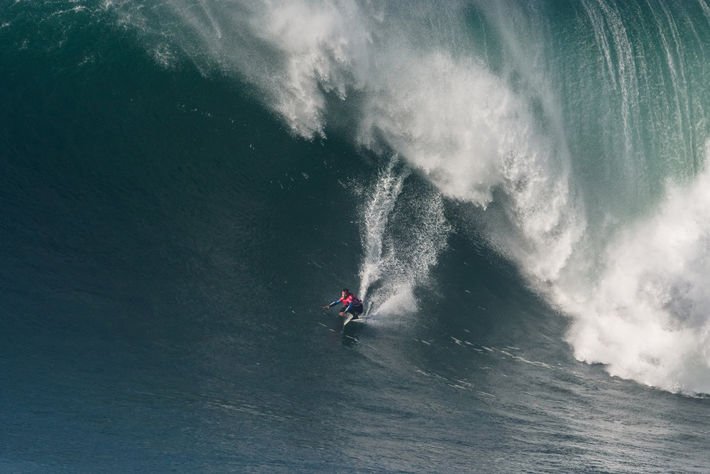 Carlos Burle at Nazaré by Correia
