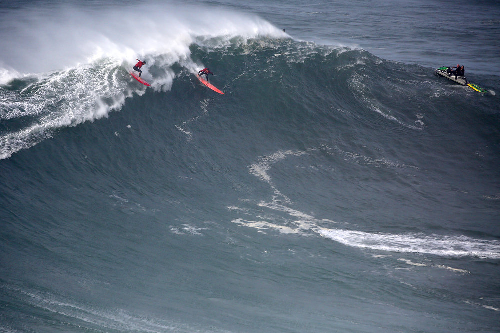 Peter Mel and Lucas Chianca at Nazaré by Estrelinha