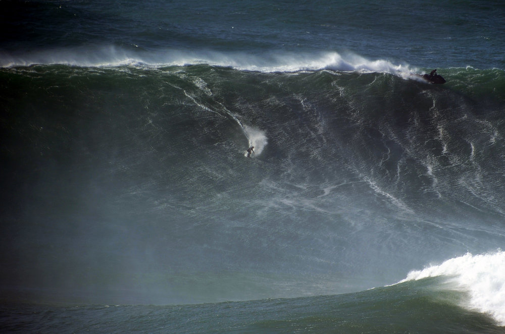 Sebastian Steudtner at Nazaré A by Riancho
